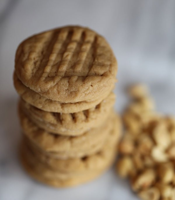 close-up-peanut-butter-cookies-cropped