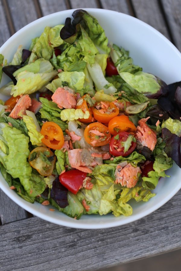Salmon and greens salad
