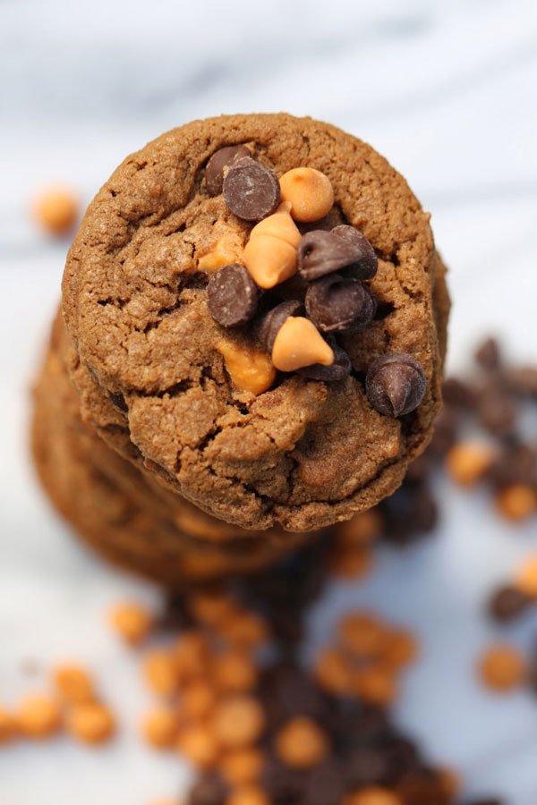 chocolate-butterscotch-cookies-top