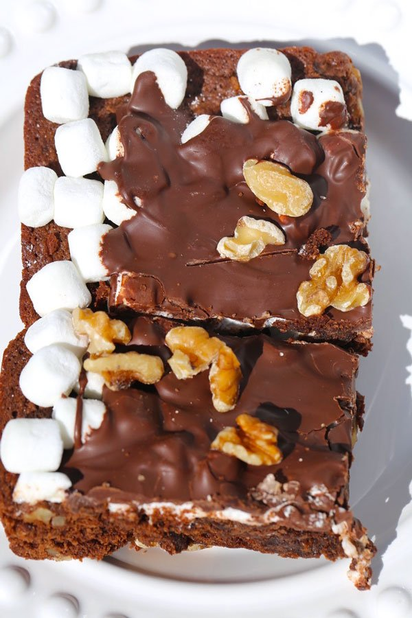 Rocky road brownies with walnuts and marshmallows.
