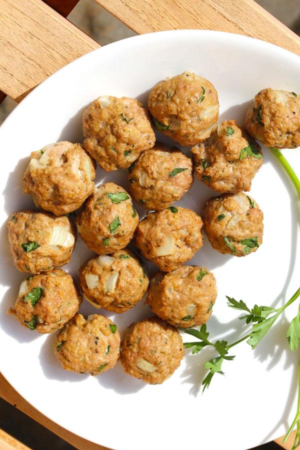 Turkey meatballs on a plate