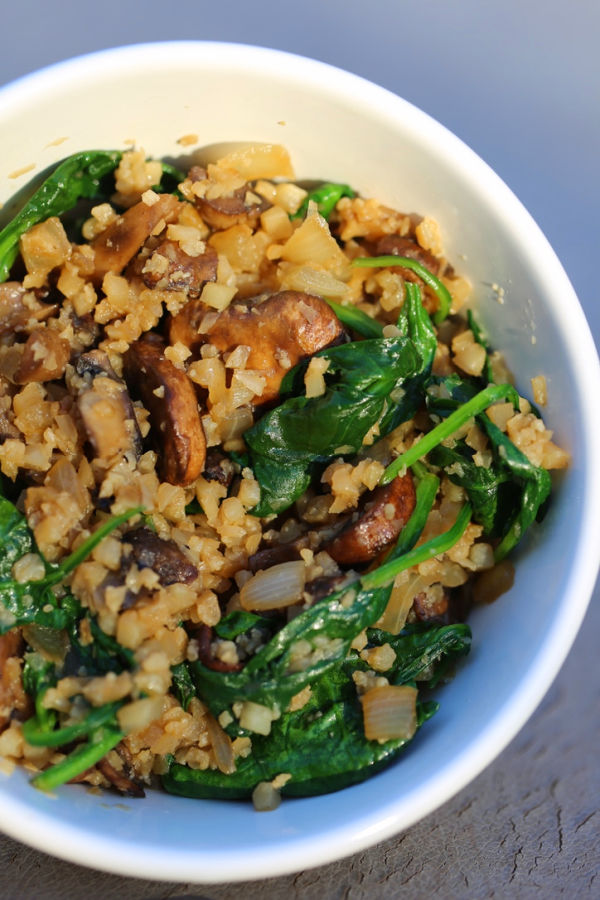 mushroom cauliflower rice with spinach